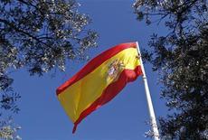 <p>L'Espagne aura du mal à atteindre ses objectifs de déficit pour 2012 et 2013 malgré les mesures d'austérité annoncées vendredi alors que le pays, au taux de chômage le plus élevé de l'Union européenne, est en passe de tomber en récession. /Photo prise le 12 février 2012/REUTERS/Paul Hanna</p>