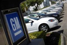 <p>Le constructeur américain General Motors détient désormais 7% du capital et 5,78% des droits de vote de PSA Peugeot Citroën, selon l'Autorité des marches financiers (AMF). /Photo d'archives/REUTERS/Carlos Barria</p>
