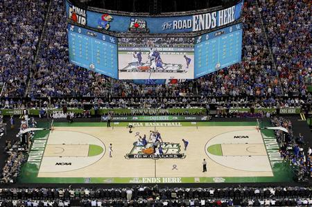 Overall view of the court at tip off for the men's NCAA Final Four championship college basketball game between the Kentucky Wildcats and the Kansas Jayhawks in New Orleans, Louisiana, April 2, 2012. REUTERS/Jonathan Bachman