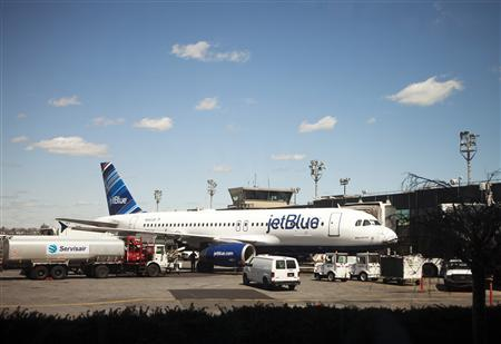 JetBlue still upbeat, but not darling it once was
