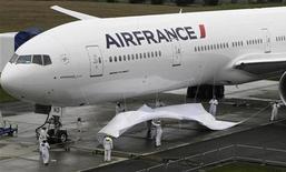<p>Air France-KLM affiche une progression de 6,8% de son trafic passagers en mars, soutenue par une base de comparaison favorable, la période correspondante l'an dernier ayant été marquée par le séisme au Japon et la crise politique en Côte d'Ivoire. /Photo d'archives/REUTERS/Marcus R Donner</p>