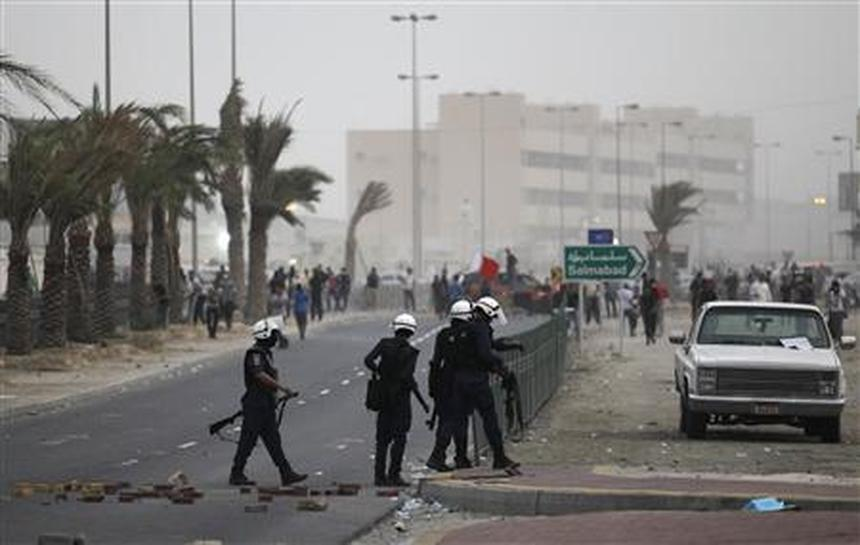 Teenagers Hurt In Bahrain Clashes After F1 Go Ahead Reuters