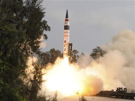 A surface-to-surface Agni V missile is launched from the Wheeler Island off the eastern Indian state of Odisha April 19, 2012. REUTERS/Indian Defence Research and Development Organisation/DRDO/Handout