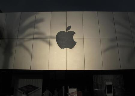 An Apple retail store is seen in Carlsbad, California April 6, 2012. REUTERS/Mike Blake