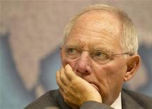 <p>Selon le ministre allemand des Finances, Wolfgang Schäuble, la priorité accordée par l'Union européenne à l'austérité ne doit pas être remise en question même si les moyens de stimuler la croissance sont au coeur des discussions des prochaines semaines. /Photo d'archives/REUTERS/Olivia Harris</p>
