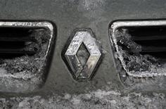 <p>Le Comité des constructeurs français d'automobiles (CCFA) publiera à 9h00 les ventes de voitures neuves en France pour le mois d'avril. /Photo d'archives/REUTERS/Radu Sigheti</p>