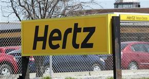 <p>Hertz a annoncé mercredi un bénéfice trimestriel supérieur aux attentes et a relevé ses prévisions annuelles. La perte nette par action est notamment ressortie à 56,3 millions de dollars contre -128,9 millions il y a un an. /Photo prise le 9 mai 2011/REUTERS/Rebecca Cook</p>