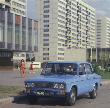 Box Shaped Cars >> Russia Says Goodbye To A Car And An Era Reuters