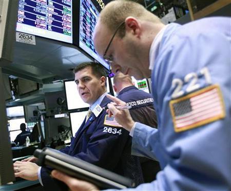Traders work on the floor of the New York Stock Exchange, May 4, 2012. REUTERS/Brendan McDermid