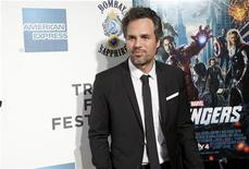 """Actor Mark Ruffalo arrives at the screening of the film """"Marvel's The Avengers"""" for the closing night of the 2012 Tribeca Film Festival in New York April 28, 2012. REUTERS/Andrew Kelly"""