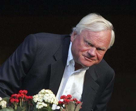 Tycoon Fredriksen on ship buying spree - Reuters