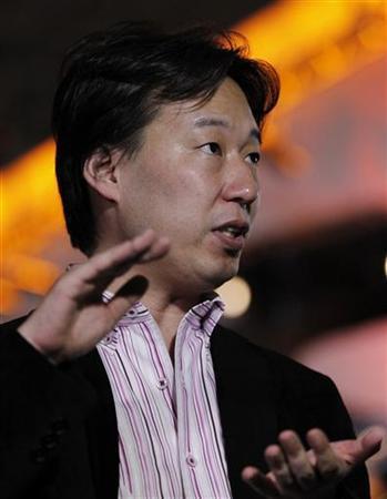 5月9日、ディー・エヌ・エー(DeNA)の守安社長は、ソーシャルゲーム内で使われる「コンプリート(コンプ)ガチャ」に相当するものは順次廃止していくと明らかにした。写真は昨年9月撮影(2012年 ロイター/Kim Kyung-Hoon)