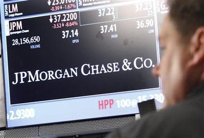 Banks hit by JPMorgan; Wall Street ends week lower