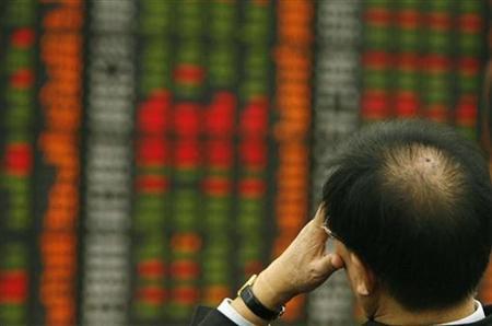 5月16日、ソウル株式市場で半導体株が急落している。写真は2008年10月、ソウルで撮影した株価ボード(2012年 ロイター/Lee Jae-Won)