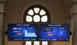 An information panel displays trading information for Spain's Bankia and Spain's benchmark IBEX 35 at the Madrid stock exchange May 17, 2012. REUTERS/Paul Hanna