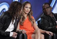"(L - R)Steven Tyler, Jennifer Lopez and Randy Jackson, co-hosts of ""American Idol,"" take part in a panel session at the FOX Winter TCA Press Tour in Pasadena, California January 8, 2012. REUTERS/Jonathan Alcorn"