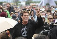 Actor David Hasselhoff shows the peace sign at the Coachella Valley Music and Arts Festival in Indio, California April 13, 2012. REUTERS/David McNew