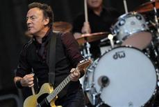 """U.S. singer Bruce Springsteen performs with the E. Street Band during their European tour to promote their latest album """"Wrecking Ball"""" in Frankfurt May 25, 2012. REUTERS/Alex Domanski"""