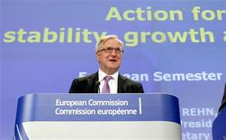 European Economic and Monetary Affairs Commissioner Olli Rehn holds a news conference on the Economic Governance Package at the Commission's Headquarters in Brussels May 30, 2012. REUTERS/Sebastien Pirlet