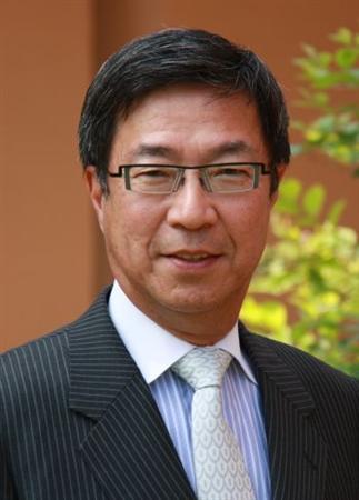 6月1日、フジマキ・ジャパン代表取締役(元モルガン銀行東京支店長)の藤巻健史氏は、多くの国や地域で為替レベルと実体経済の乖離(かいり)が進み、世界経済に激震が走る可能性が高まっていると指摘。提供写真(2012年 ロイター)。