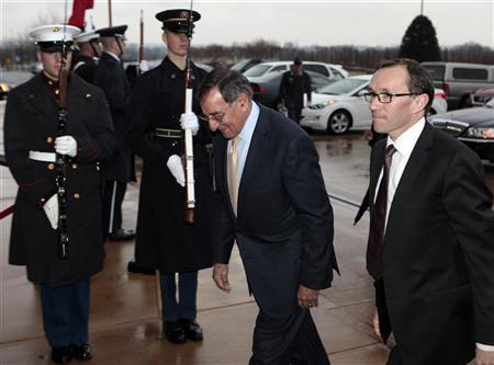 U.S. Secretary of Defense Leon Panetta (L) hosts an honor cordon to welcome Norway's Minister of Defense Espen Barth Eide to the Pentagon, Washington January 11, 2012. REUTERS/Yuri Gripas