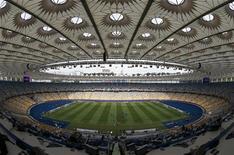 Шведская команда на тренировке на Олимпийском стадионе в Киеве 14 июня 2012 года. Матч группы D между сборными Швеции и Англии состоится в пятницу, 15 июня, в рамках чемпионата Европы. REUTERS/Eddie Keogh