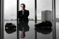 Глава Nissan Motor Co Карлос Гон во время интервью в Токио, 22 июня 2012 года. Главный исполнительный директор Nissan Motor Co Карлос Гон рассказал во вторник акционерам, что заработал 987 миллионов иен ($12,5 миллиона) в прошлом финансовом году. REUTERS/Kim Kyung-Hoon