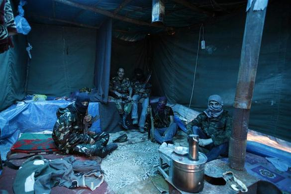 صور احرار سوريا 2013 - الجيش السورى الحر 2013 - ثوار سوريا 2013 ?m=02&d=20120626&t=2&i=623350361&w=&fh=&fw=&ll=700&pl=390&r=2012-06-26T165504Z_07_GM1E84G04L901_RTRRPP_0_TURKEY-SYRIA