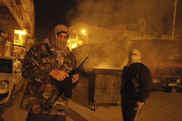 صور احرار سوريا 2013 - الجيش السورى الحر 2013 - ثوار سوريا 2013 ?m=02&d=20120626&t=2&i=623350365&w=&fh=&fw=&ll=700&pl=390&r=2012-06-26T165504Z_07_GM1E8241AT501_RTRRPP_0_SYRIA
