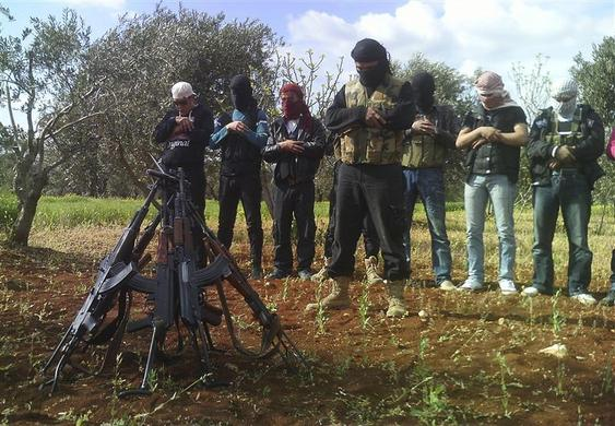صور احرار سوريا 2013 - الجيش السورى الحر 2013 - ثوار سوريا 2013 ?m=02&d=20120626&t=2&i=623350395&w=&fh=&fw=&ll=700&pl=390&r=2012-06-26T165504Z_07_GM1E84F01XR01_RTRRPP_0_SYRIA