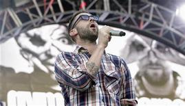 Singer Adam Levine of Maroon 5 performs with Gym Class Heroes at the 2012 Wango Tango concert at the Home Depot Center in Carson, California May 12, 2012. REUTERS/Mario Anzuoni