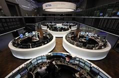 Торговый зал Франкфуртской фондовой биржи, 2 января 2012 года. Европейские рынки акций открылись снижением в среду. REUTERS/Ralph Orlowski