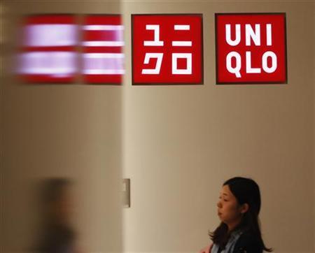 7月12日、ファーストリテイリングを支えてきた国内ユニクロ事業の低迷が続いている。写真は4月、都内のユニクロ店舗で撮影(2012年 ロイター/Yuriko Nakao)