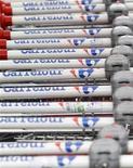 <p>Carrefour a annoncé une baisse moins importante que prévu de son chiffre d'affaires trimestriel, la progression de ses ventes en Amérique latine ayant en partie compensé une chute en Europe du Sud et une nouvelle glissade des hypermarchés en France. /Photo d'archives/REUTERS/Yves Herman</p>