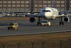 <p>Airbus a annoncé la signature par la compagnie russe UTair d'un contrat portant sur la commande ferme de 20 A321. /Photo d'archives/REUTERS/Alex Domanski</p>