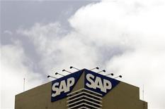 <p>L'allemand SAP a enregistré une hausse de 19% de son chiffre d'affaires dans les logiciels en données ajustées des effets de change au deuxième trimestre, dans le haut de sa fourchette de prévisions. Le bénéfice opérationnel a également dépassé les attentes, en progression de 15% à 1,17 milliard d'euros. /Photo d'archives/REUTERS/Punit Paranjpe</p>