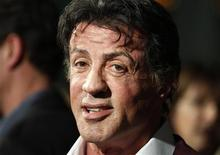 """O ator Sylvester Stallone chega à pré-estreia do filme """"Assassino à Preço Fixo"""", em Hollywood, nos Estados Unidos, em janeiro do ano passado. 25/01/2011 REUTERS/Fred Prouser"""