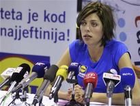 A croata Blanka Vlasic, uma das melhores atletas do salto em altura no mundo, fala com repórteres durante coletiva de imprensa em maio, na cidade de Split, na Croácia. A ex-campeã mundial não irá competir na Olimpíada de Londres devido a problemas de contusão, afirmou a croata em seu website neste sábado. 22/05/2012 REUTERS/Stringer