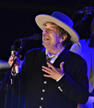 U.S. musician Bob Dylan performs during on day 2 of The Hop Festival in Paddock Wood, Kent on June 30th 2012. REUTERS/ Ki Price (BRITAIN