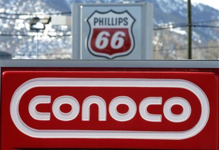 A Conoco Phillips gas station in Boulder, Colorado in this January 24, 2007, file photo. Conoco, reporting earnings for the first time since shedding its refining and chemicals business, ported a profit of $2.3 billion, or $1.80 per share, compared with $3 .4 billion, or $2. 41 per share, in the same period a year ago, July 25, 2012. REUTERS/Rick Wilking/Files