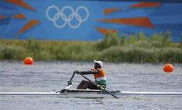 Niger's Hamadou Djibo Issaka rows in the men's single sculls repechage at Eton Dorney during the London 2012 Olympic Games July 29, 2012. REUTERS/Darren Whiteside