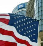<p>General Motors, qui a annoncé dimanche le départ de son responsable marketing monde, Joel Ewanick,à suivre lundi sur les marchés américains. /Photo d'archives/REUTERS/Jeff Kowalsky</p>