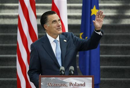 U.S. Republican Presidential candidate Mitt Romney delivers foreign policy remarks at the University of Warsaw Library, July 31, 2012. REUTERS/Kacper Pempel