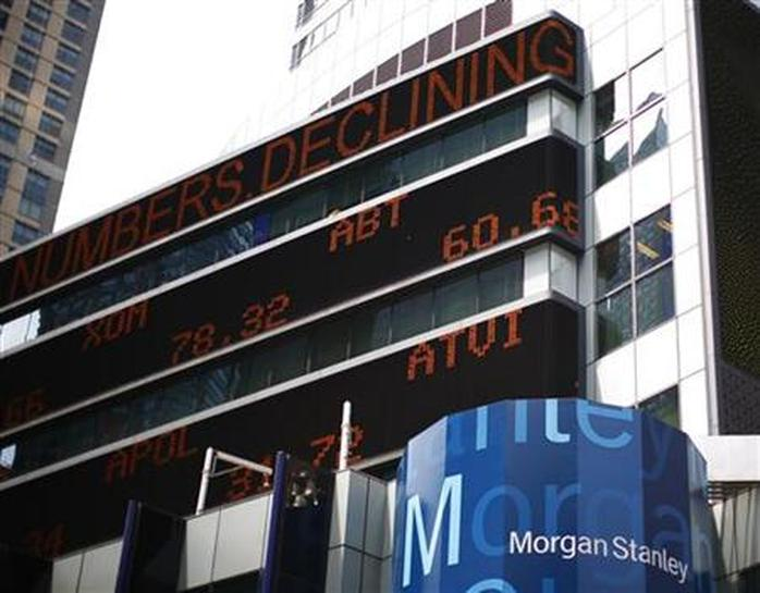 Insight: Morgan Stanley brokers chafe at new system's glitches - Reuters