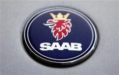 Логотип Saab на автомобиле в Праге, 13 июня 2012 г. Голландский производитель спортивных автомобилей Spyker NV собирается взыскать с General Motors Co более $3 миллиардов от имени своей дочерней компании Saab, обвинив GM в преднамеренном банкротстве шведской автогруппы. REUTERS/David W Cerny