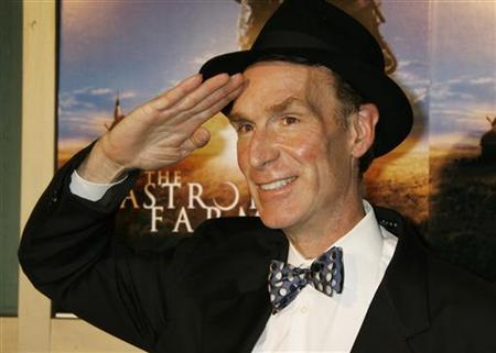 Bill Nye, star of the television science program, ''Bill Nye the Science Guy'', poses as he arrives as a guest at the premiere of the film ''The Astronaut Farmer'' in Los Angeles February 20, 2007. REUTERS/Fred Prouser