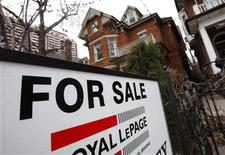 A house is seen for sale on the real estate market in Toronto, April 9, 2009. REUTERS/Mark Blinch