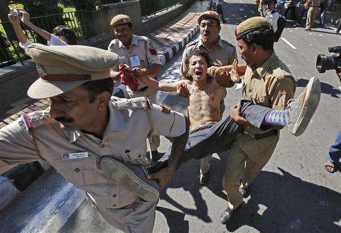 Tibetans protest in New Delhi