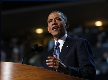 9月7日、「ツイッター」によると、オバマ米大統領が民主党全国大会で行った大統領候補指名受諾演説は、政党大会に関する投稿として1分当たり過去最多のツイート数を記録した。写真は6日、指名受諾演説を行う大統領(2012年 ロイター/Jim Young)