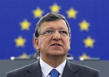 <p>José Manuel Barroso, le président de la Commission européenne devant le Parlement européen, à Strasbourg. La Banque centrale européenne devrait jouer un rôle central dans la supervision de toutes les banques de la zone euro, selon le projet d'union bancaire présenté mercredi par la Commission européenne. /Photo prise le 12 septembre 2012/REUTERS/Vincent Kessler</p>